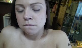 Raunchy girlie has a juice cunt and perfect body